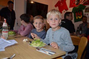 Kinder_essen_web